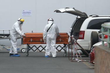 DEIS: Chile supera los 32 mil fallecidos asociados al Covid-19 y marzo se posiciona como el segundo mes con más decesos atribuidos a la enfermedad
