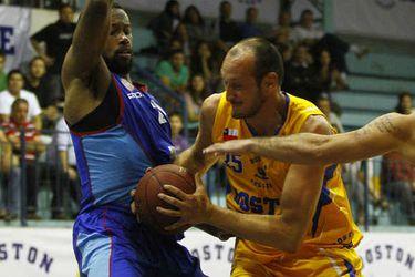 basquetbol-2013-lnb-boston-college-v-puerto-varas50