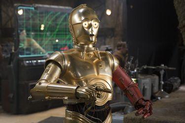 Anthony Daniels terminó su trabajo como C-3PO en el Episodio IX