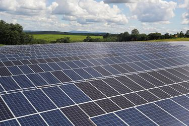 Renovables no convencionales desplazarán por primera vez al carbón como principal fuente de generación eléctrica a partir de este año
