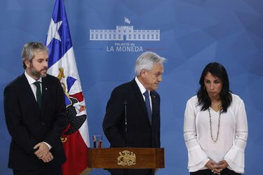 """""""Los incumbentes"""": Alcaldes abandonan chat con Piñera y crece molestia por límite a reelección"""