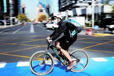 15 rutas para pedalear en Santiago durante la franja deportiva