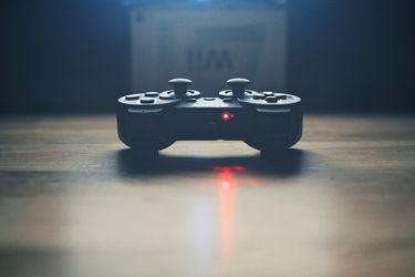 China emite dura normativa para menores: niños solo podrán usar videojuegos una hora y media al día