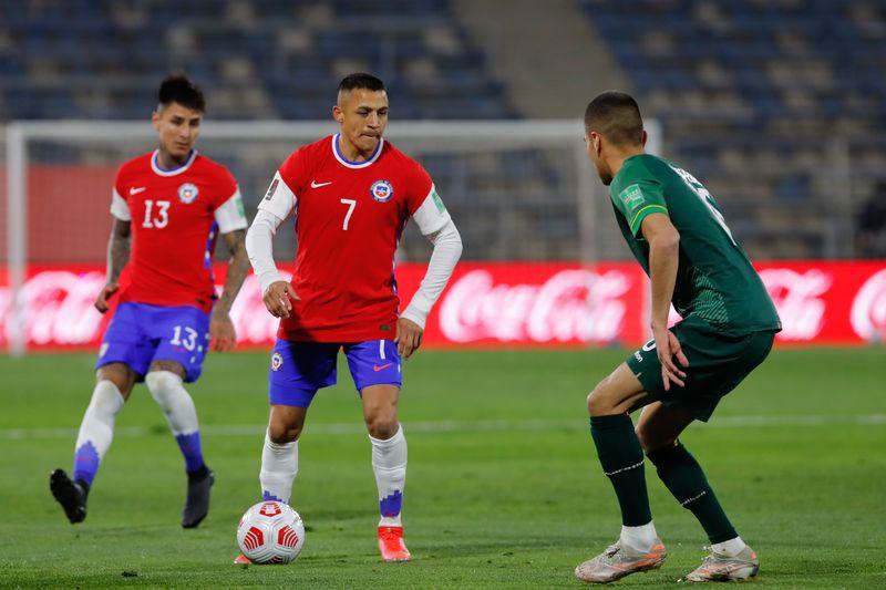 Alexis Sánchez y Erick Pulgar superaron sus molestias y retornarán a la titularidad en la Roja para enfrentar a Brasil.