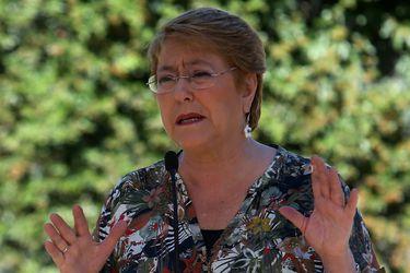 Michelle Bachelet  llega a sufragar Colegio Teresiano Enrique de Oss—