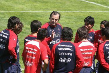 """Vidal apoya la visión de Sulantay: """"A Bielsa le besaron los pies"""""""
