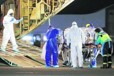 Salud espera trasladar hoy a 10 pacientes: Sería la cifra récord de aeroevacuaciones en un día durante toda la pandemia