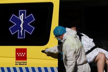 """Ministerio de Sanidad de España advierte de una """"probable reinfección"""" en el país con la variante brasileña del coronavirus"""