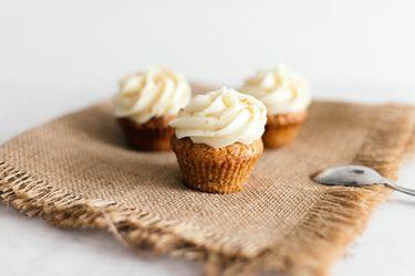 Aprende a hacer cupcakes de zanahoria