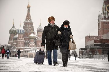 Rusia registra su menor dato diario de casos de COVID-19 desde septiembre