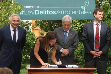El Presidente de la República firma Proyecto de Ley de Delitos Medioambientales