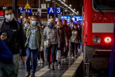 """Inquietud en Alemania ante aumento """"preocupante"""" de casos de Covid-19: En las últimas 24 horas registraron sobre 4 mil casos, la mayor cifra desde abril"""