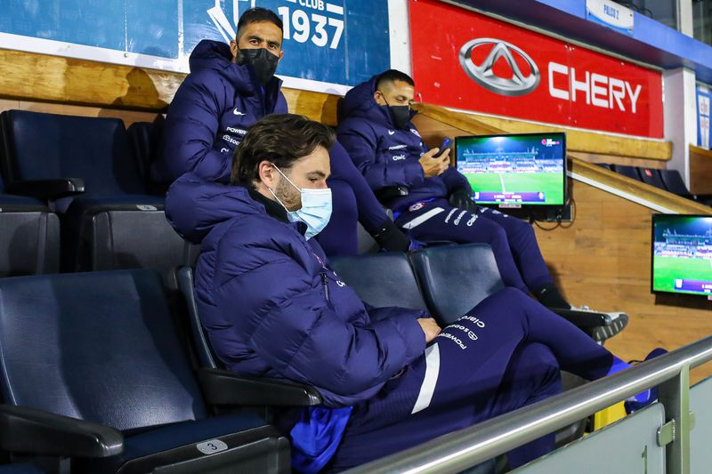 Ben Brereton, en sus primeros días en Chile, compartió con Bravo y Alexis Sánchez en San Carlos de Apoquindo, donde presenciarn un partido de la UC.