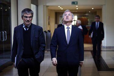 Felipe Larrain da conferencia de prensa luego de sostener una  reunión con el Consejo de Estabilidad Financiera Banco Central