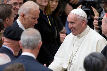 El Papa Francisco y el Presidente Biden se reunirán mientras ambos enfrentan tensiones por el aborto con los obispos de EE.UU.