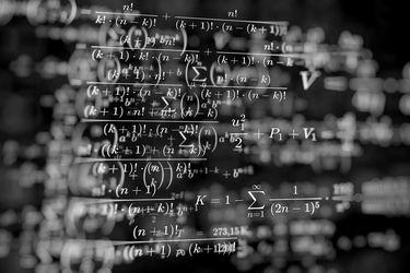Físicos chilenos crean modelo que permite predecir propagación de Covid-19 en espacios públicos y privados