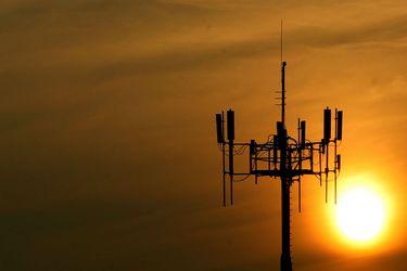 Primera operación post 18-O: Entel vende antenas en Chile y Perú por US$772 millones