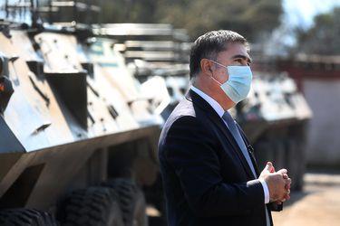 """Ministro Desbordes: """"Las FF.AA. no están para enfrentar el conflicto en La Araucanía"""""""