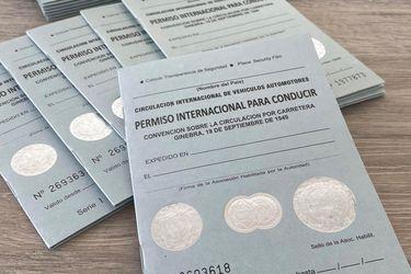 Viajes al extranjero disparan demanda de licencia de conducir internacional