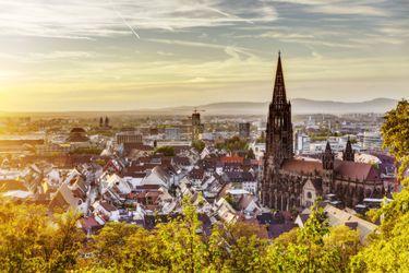 Friburgo, el paraíso de las bicicletas y la ciudad más ecológica del mundo, en la que hay que ir a la periferia para ver un auto