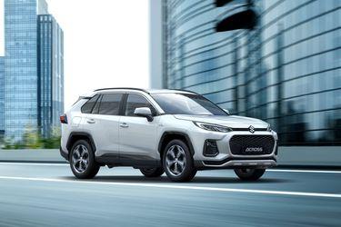 Entre japoneses: Suzuki toma prestado el RAV4 para su aventura europea en los SUV ecoamigables