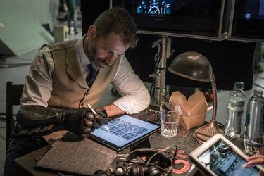 Zack Snyder dijo que no le están pagando por terminar su versión de Justice League