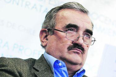 """Jaime Gajardo, vicepresidente del Colegio de Profesores: """"No debemos aprobar la propuesta del Mineduc, hay que rechazarla"""""""