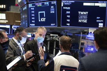 Bolsa de Santiago cierra la semana con alzas, mientras Wall Street se recupera tras positivo dato de empleo y repunte de tecnológicas