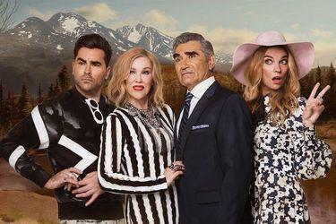 """La chilena que trabaja en Schitt's Creek, la comedia que arrasó en los Emmy: """"La mitad del chiste de la serie es lo visual"""""""