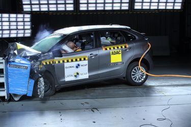 Golpe de realidad: Latin NCAP evalúa con cero estrellas al Suzuki Baleno y con una al Toyota Yaris