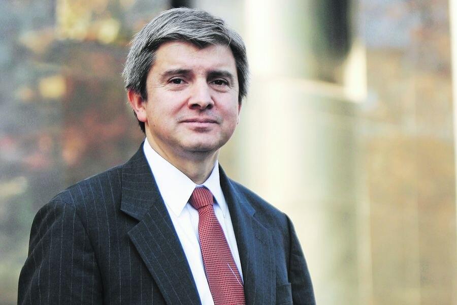 """Gonzalo Sanhueza: """"Ya estamos atrasados en un plan de ayuda a las grandes empresas (...) si una quebrara el daño a la economía será muy grande"""""""
