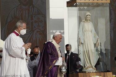 Papa Francisco concluye histórica gira por Irak y expresa pesar por reducción de la comunidad cristiana