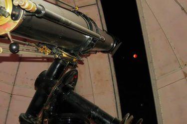 Esta noche habrá Superluna y eclipse total lunar: ¿cómo ver el fenómeno astronómico en Chile?