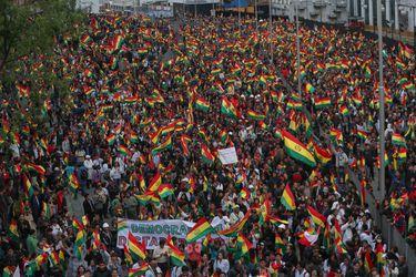 Cabildos en varias ciudades de Bolivia contra el resultado de las elecciones