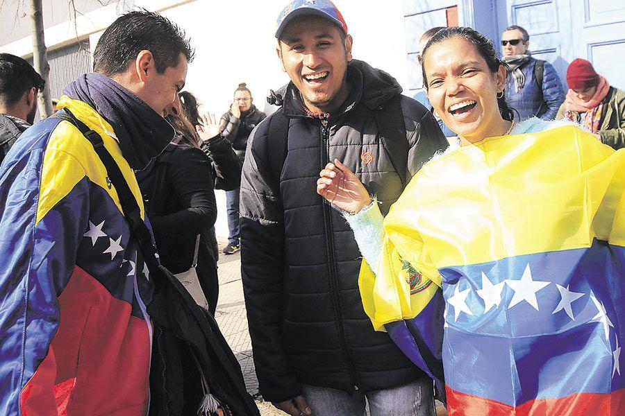 Imagen-Venezolanos-residentes-en-Chile-vota-(44665508)