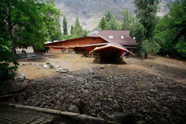 A un mes del aluvión, gobierno estima que reconstrucción de San Alfonso tomaría dos años
