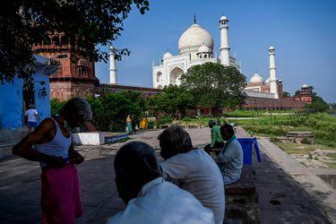 India notifica más de 60.000 casos y 2.500 muertos por coronavirus durante el último día