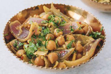 Bienvenido Marzo de Especias: Cómo hacer curry de garbanzos con cayena, leche de coco y comino
