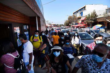 Santiago, Valparaíso y Biobío llegan a marzo con el peor escenario en casos activos de Covid-19 desde julio de 2020