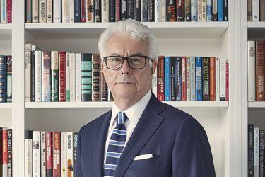 """Ken Follet: """"Quise narrar el fin de la Edad Oscura y el renacer de la civilización europea"""""""