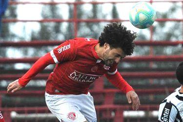 """""""Rápido, agresivo y dominante en los duelos"""": el perfil de Maximiliano Falcón, el nuevo defensa de Colo Colo"""