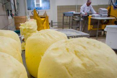 """Por qué hay una """"crisis del croissant"""" en Francia y qué está pasando con la mantequilla en el resto del mundo"""