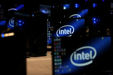 Negocio de data center lastra los ingresos trimestrales de Intel y acciones caen