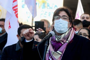 Jadue, 62 días después: fuera de la presidencial y activo en la izquierda