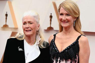 """Laura Dern gana su primer Oscar: """"Es el mejor regalo de cumpleaños"""""""