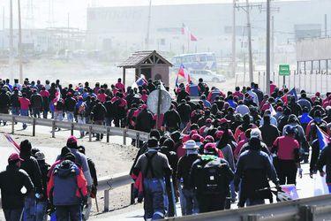 ANTOFAGASTA  Trabajadores de La Escondida bloquean ingreso y salida hacia Antofagasta