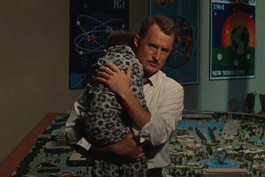 Howard Stark cuida a un pequeño Tony en una nueva escena eliminada de Iron Man 2