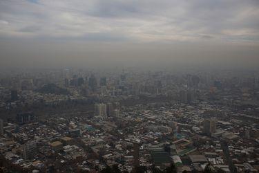 Intendencia Metropolitana decreta preemergencia ambiental para este lunes 27