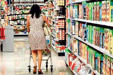 Categoría de alimentos es la única de la canasta de consumo que crece post estallido social