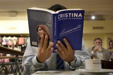 El pasado 9 de mayo en la Feria del Libro de Buenos Aires, Cristina K lanzó Sinceramente.